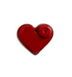 Esküvői dísz, szív, piros, egyik oldalon csiga