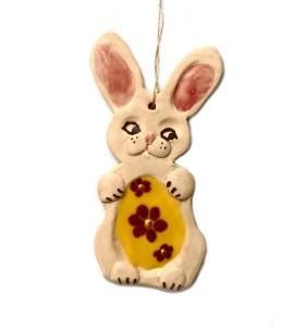 Nyúl, sárga tojás, barna virág, krém