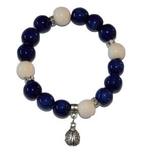 Karkötő, kék, krémmel díszített, katica medál
