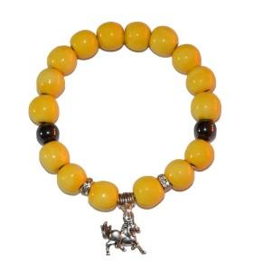 Karkötő, sárga, feketével díszített, lovacska medál