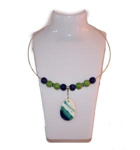 Nyaklánc, kék és zöld, hosszúkás többszínű medál