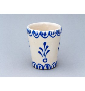 Kerámia bögre, magas forma, fehér, pikkelyes minta, kék virág