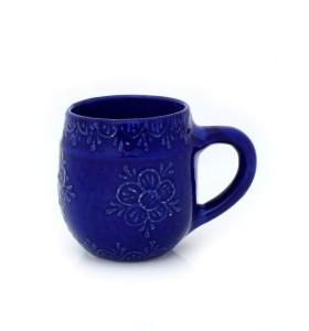 Nagy kerámia bögre, kék, pikkelyes minta, virág díszítés