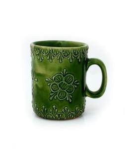 Kerámia bögre, zöld, pikkelyes minta, virág díszítés