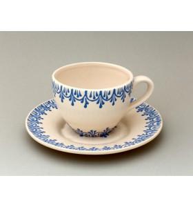 Csésze, tea, csészealj, fehér, kék mintás oldalakon