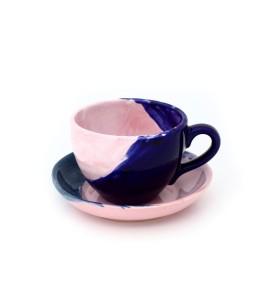 Csésze, kávé, szivárvány csészealjjal