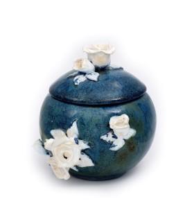 Cukortartó kék fehér virággal
