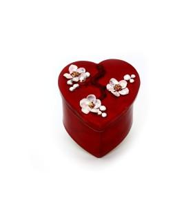 Doboz, szív, piros, fehér 3D-s virágok a fedélen