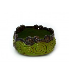 Tál és váza, zöld, barna, lent zöld csigák, fent barna gombócok